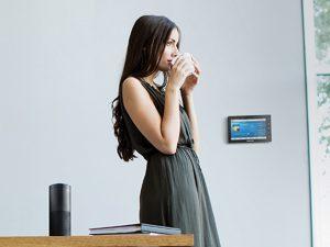 Crestron koperiert mit Alexa Voice