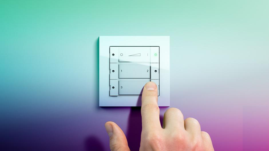 gira zigbee light link wandsender jetzt lieferbar av residential. Black Bedroom Furniture Sets. Home Design Ideas
